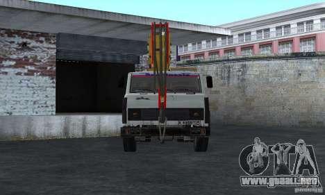 MAZ camión grúa para la visión correcta GTA San Andreas