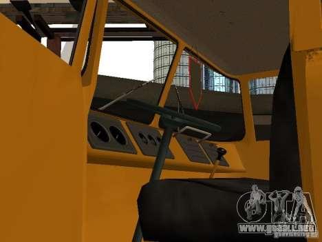 KAZ 608 para GTA San Andreas vista hacia atrás