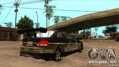 BMW 135i Coupe GP Edition Skin 3 para la visión correcta GTA San Andreas