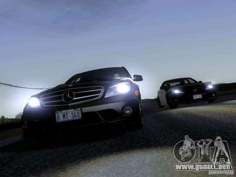 Mercedes-Benz C63 AMG 2010 para GTA San Andreas vista hacia atrás