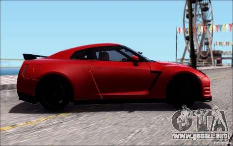 Nissan GTR 2011 egoísta (versión con suciedad) para GTA San Andreas vista hacia atrás