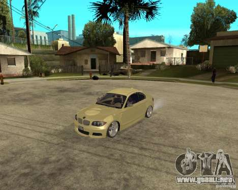 BMW 135i Coupe Stock para GTA San Andreas left