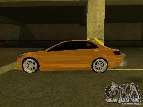 GTAIV Schafter Modded para GTA San Andreas vista posterior izquierda