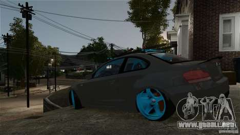 BMW 135i HellaFush para GTA 4 left