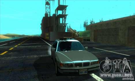 BMW 750i E38 para GTA San Andreas vista hacia atrás