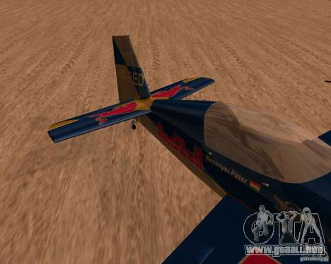 Extra 300L Red Bull para GTA San Andreas left