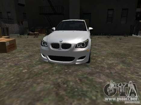 BMW M5 para GTA 4 vista hacia atrás