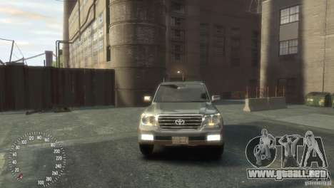Toyota Land Cruiser 200 2010 para GTA 4 visión correcta