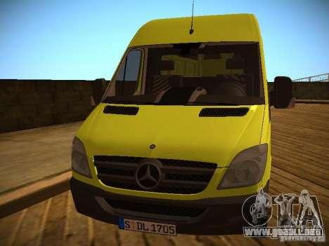 Mercedes Benz Sprinter 311 CDi para GTA San Andreas left