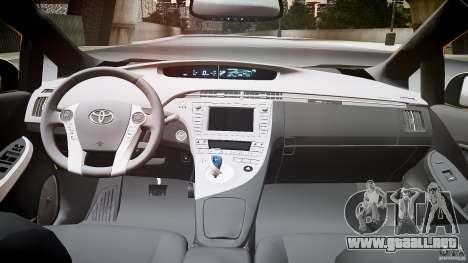 Toyota Prius LCC Taxi 2011 para GTA 4 vista hacia atrás