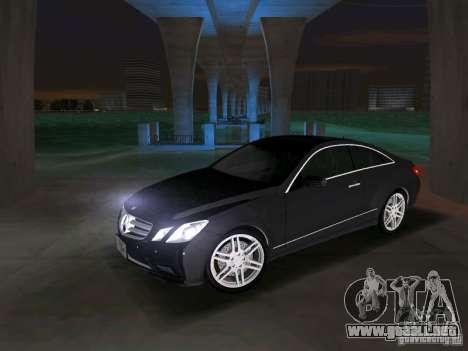 Mercedes-Benz E Class Coupe C207 para GTA Vice City vista posterior