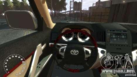 Toyota Land Cruiser 200 2010 para GTA 4 vista hacia atrás