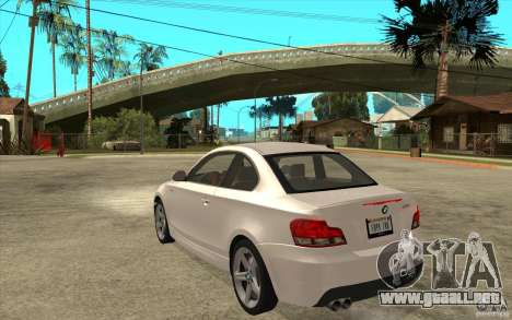 BMW 135i Coupe para la visión correcta GTA San Andreas