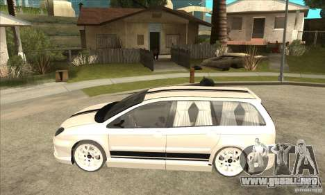 Citroen C5 Break para GTA San Andreas left