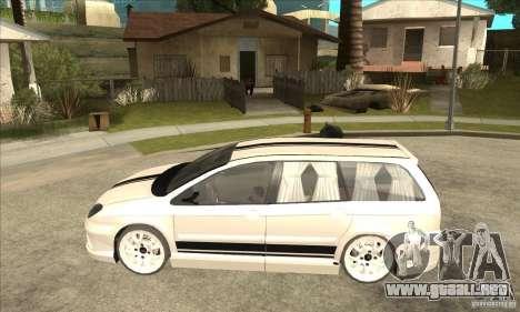 Citroen C5 Break para GTA San Andreas left
