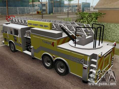 Pierce Arrow XT BCFD Tower Ladder 4 para GTA San Andreas vista hacia atrás