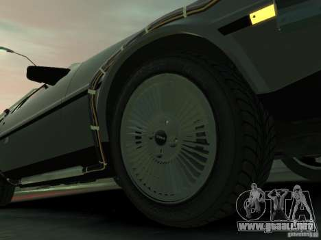 DeLorean BTTF 2 para GTA 4 vista lateral