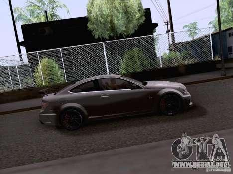 Mercedes-Benz C63 AMG Coupe Black Series para GTA San Andreas vista posterior izquierda