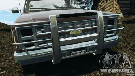 Chevrolet Silverado 1986 para GTA 4 vista desde abajo