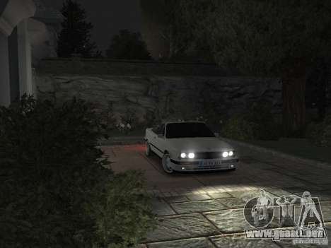 BMW 3-er E30 para GTA 4 vista lateral
