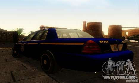 Ford Crown Victoria New York Police para GTA San Andreas left