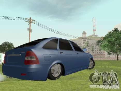 LADA 2170 Hatchback para GTA San Andreas left