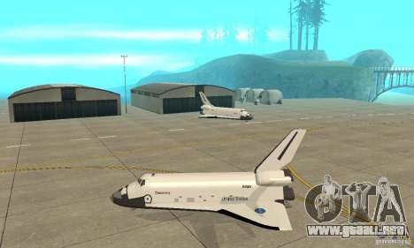 Space Shuttle Discovery para GTA San Andreas left
