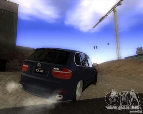 BMW X5 dubstore para GTA San Andreas vista hacia atrás