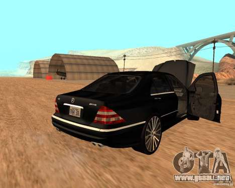 Mercedes-Benz S65 AMG W220 para GTA San Andreas left