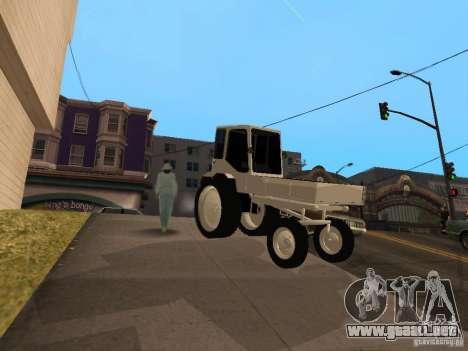 Tractor T16M para GTA San Andreas left