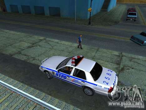 Ford Crown Victoria 2009 New York Police para visión interna GTA San Andreas