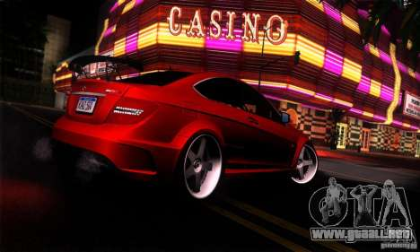 Mercedes Benz C63 AMG para GTA San Andreas left