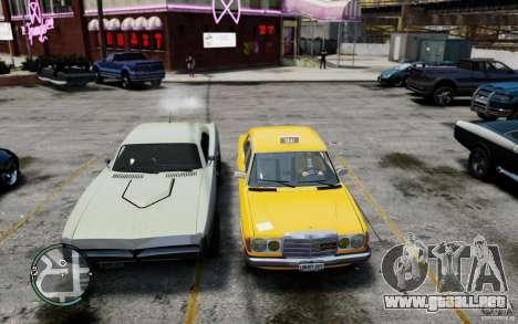 Mercedes-Benz 230 E Taxi para GTA 4 vista hacia atrás