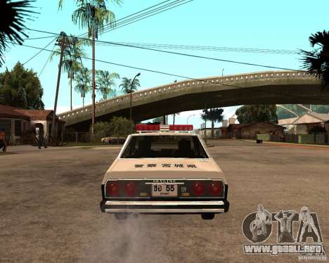 Nissan Skyline 2000 GT Police para GTA San Andreas vista posterior izquierda