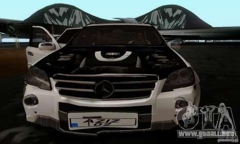 Mercedes Benz ML63 AMG para GTA San Andreas vista hacia atrás