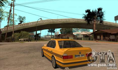 BMW E34 535i Taxi para GTA San Andreas vista posterior izquierda