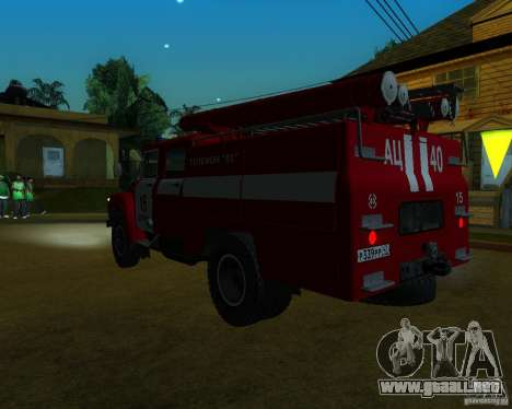 ZIL 130 AC 40 para GTA San Andreas left