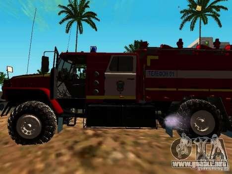 Fuego de Ural 5557-40 para GTA San Andreas vista hacia atrás