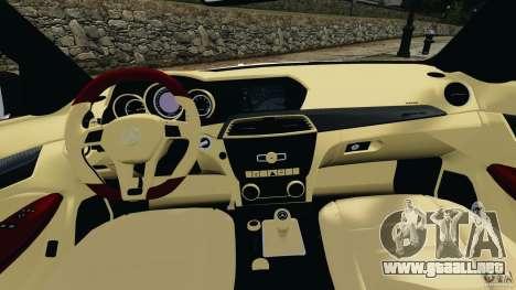 Mercedes-Benz C63 AMG 2012 para GTA 4 vista hacia atrás