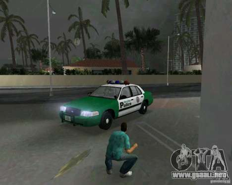 Ford Crown Victoria 2003 Police para GTA Vice City left