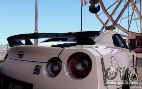 Nissan GTR 2011 egoísta (versión con suciedad) para GTA San Andreas interior