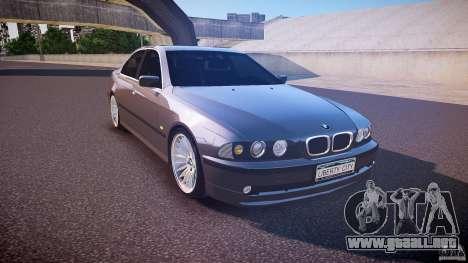 BMW 530I E39 stock white wheels para GTA 4 vista hacia atrás