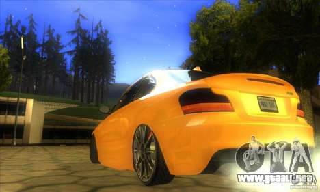 BMW 135i Coupe Custom para GTA San Andreas left
