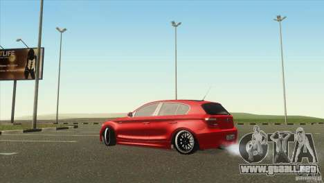 BMW 120i para GTA San Andreas left