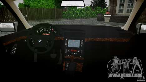 BMW 740i (E38) style 32 para GTA 4 vista hacia atrás