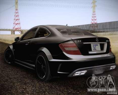 Mercedes-Benz C63 AMG Black Series para GTA San Andreas left