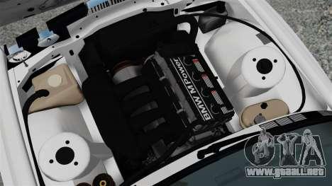 BMW M3 E30 v2.0 para GTA 4 vista hacia atrás