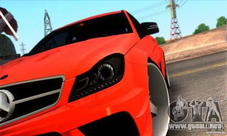 Mercedes Benz C63 AMG para vista inferior GTA San Andreas