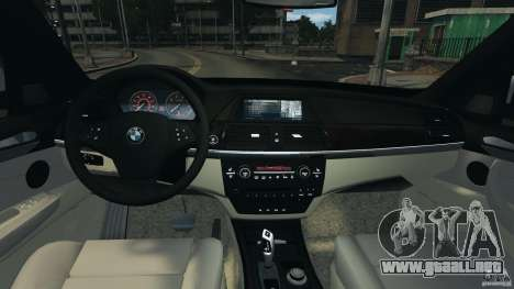 BMW X5 xDrive30i para GTA 4 vista hacia atrás