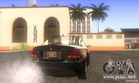 BMW 135i (E82) para GTA San Andreas vista posterior izquierda